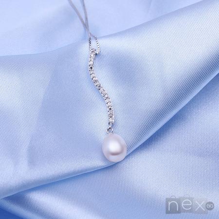 """Колие с кристали Swarovski Elements и естествени перли """"Beauty"""""""