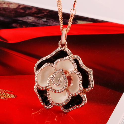 Колие КРИСТАЛНА РОЗА, Zerga Collection, 18К Розово Злато, 18KG M01115
