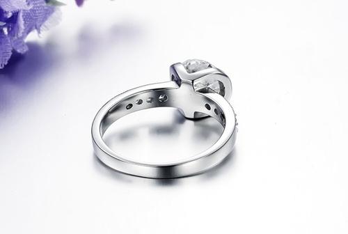 Пръстен БЛЯСЪК от стомана с кристален цирконий. Размери 5,6, 7,8 и 9! Годежен пръстен! 316L R007