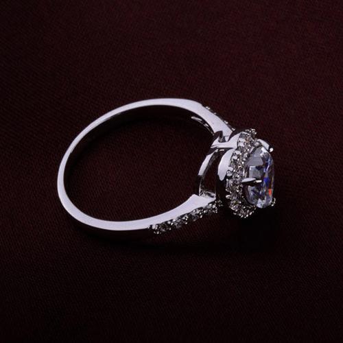 Пръстен ТЕМИДА, Crystals from SWAROVSKI® и 18К Бяло Злато, Zerga Brand ZG R043